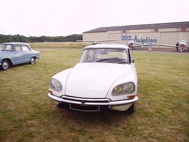 Citroën DS blanche