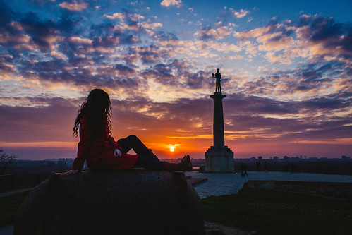 sunset sky sun monument statue canon model sundown outdoor serbia victor bluehour belgrade fortress beograd goldenhour t3i srbija nebo kalemegdan zalazak 600d sunce tvrdjava pobednik