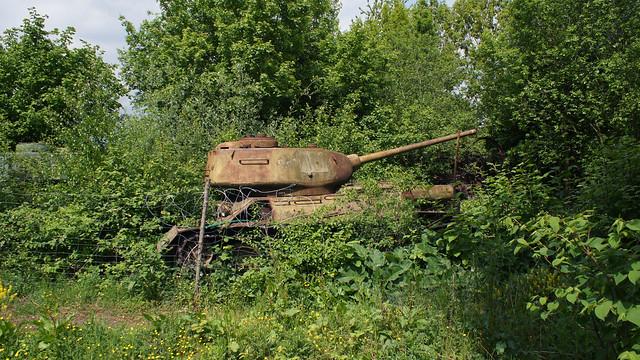 Decaying T-34 Tank (T-34 Panzer)