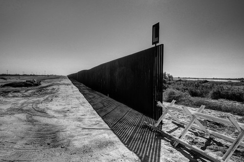 border fence | by misterbisson