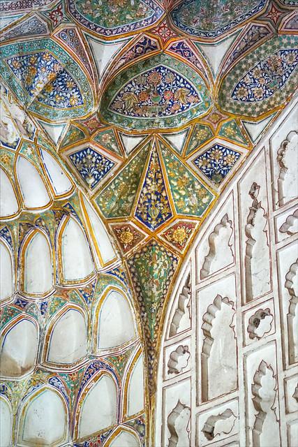 Décor peint du hammam du palais Shahi Qila (Burhanpur, Inde)