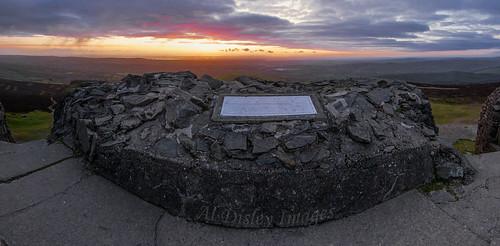 uk weather sunrise landscapes colours hills views thegreatoutdoors hillwalking northwales summits