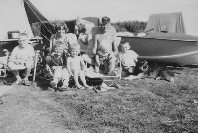 1963 - 06 - Ron, Val and family at camber campsite