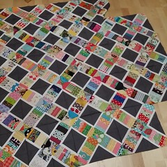 And I've also put those #beeblock together from 2 years ago, working on #2015ufochallenge lovely blocks in there from @pippaspatch @lemonshark @grapesandhearts @quiltova @lifesrichpattern @followbunny @flohstiche and a few others. I need to make 2 more bl
