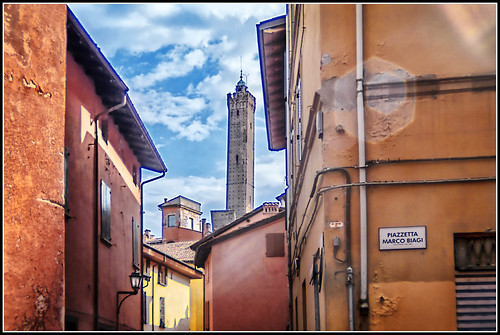 Bologna in agosto: la torre degli Asinelli