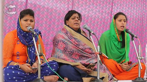 Avtar Bani by Sanjna and Saathi from Avtar Enclave, Delhi