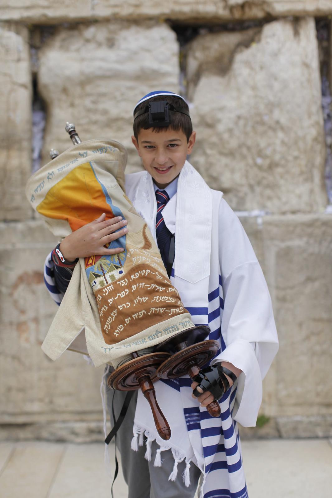 Bar Mitzvah 13_Jerusalem_9720_Yonatan Sindel_Flash 90_IMOT