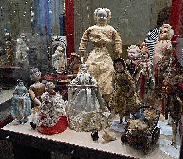 Historical dolls from 18th to 20th century - Temporary exhibition - Royal San Carlo Theatre in Naples