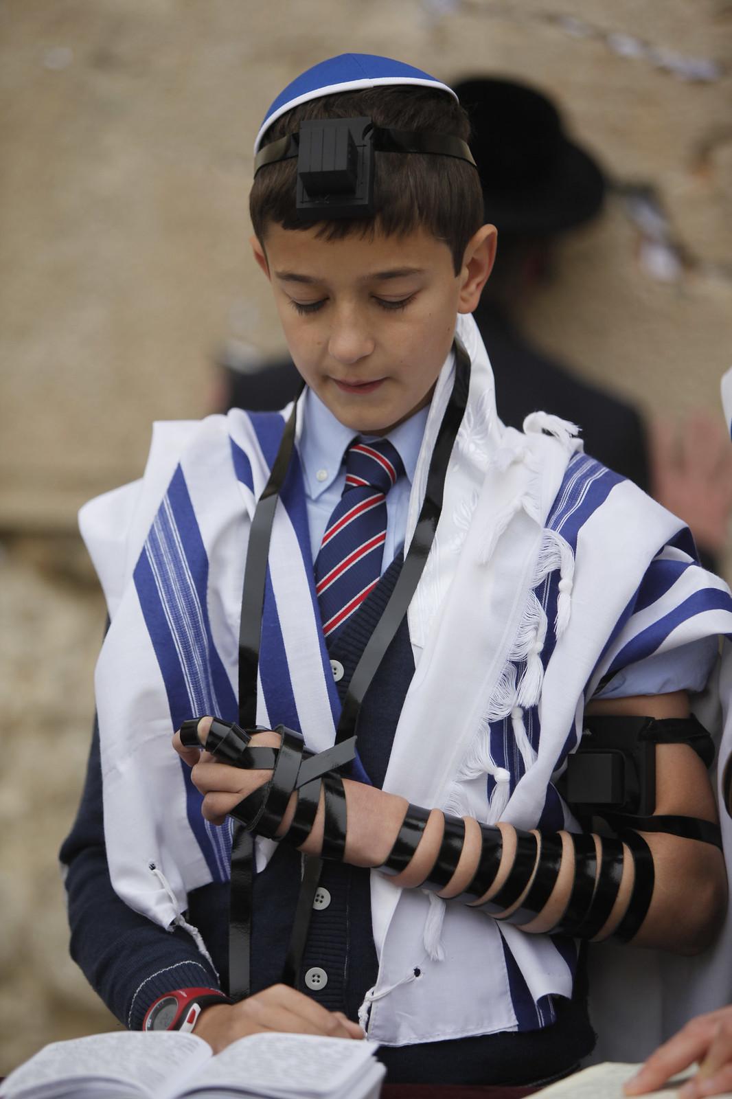 Bar Mitzvah 12_Jerusalem_9652_Yonatan Sindel_Flash 90_IMOT