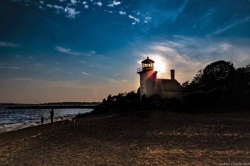 lighthouse bristol rhodeisland bristolferrylighthouse andrewlincolnphotographer