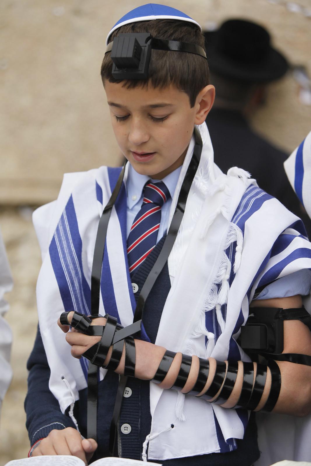 Bar Mitzvah 10_Jerusalem_ IMG_9644_Yonatan Sindel_Flash 90_IMOT