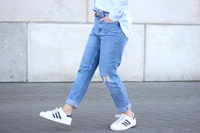 damage-blue-jeans-roll-up-cut-adidas-superstar-classic-sneakers-kicks-shoes