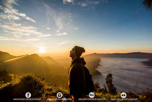 mountain beautiful sunrise indonesia amazing hiking caldera breathtaking surabaya bromo jawatimur beautifuldestinations instanusantara