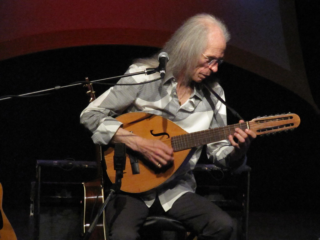 Steve Howe (Yes) live in concert at the Quay Theatre, Sudb… | Flickr