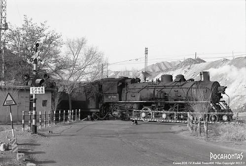 sy1583 steam engine locomotive loco railway railroad rail train baiyin film 135film kodak tmax400 eos1v