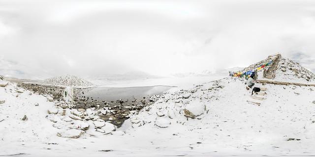 360x180 panorama of frozen Lake Gurudongmar