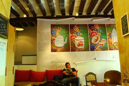 圖10咖啡圖書館內部陳列,古色古香,也相當雅致。