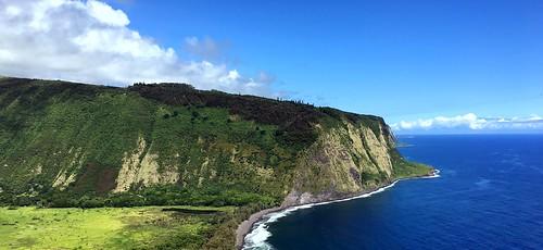 hawaii bigisland us waipiovalleylookout waipio lookout coast coastline scenery landscape iphone peterch51 waipiʻovalley waipiʻo kohala seacliffs cliffs shoreline america usa