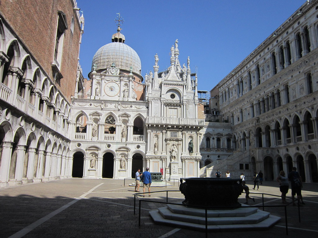 Venice Palazzo Ducale Doge S Palace Courtyard Flickr