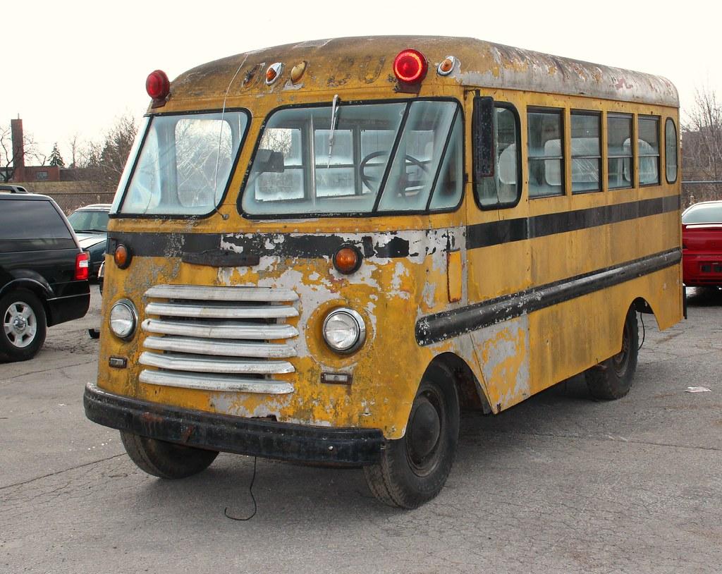1952 Chevrolet short school bus | Richard Spiegelman | Flickr