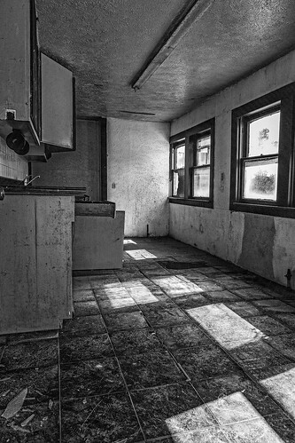 abandoned bw blackwhite blackandwhite brokenglass decay derelict home house kitchen monochrome old shadows urbex windows tomball texas unitedstates us oncewashome