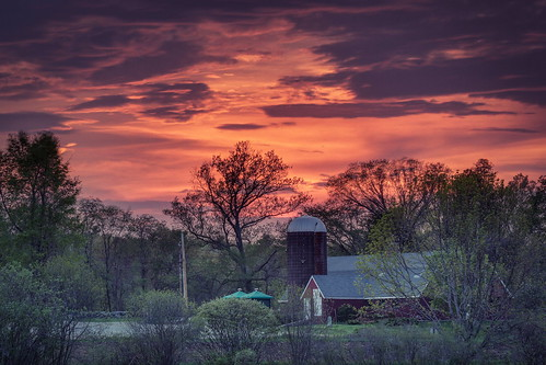 park sunset cloud clouds barn ma state farm massachusetts great farming barns sunsets silo farms silos brook elliot carlisle carlislema carlislemassachusetts gilfix greatbrookfarmstatepark elliotphotos elliotgilfix greatbrookfarmstateparkcarlisle