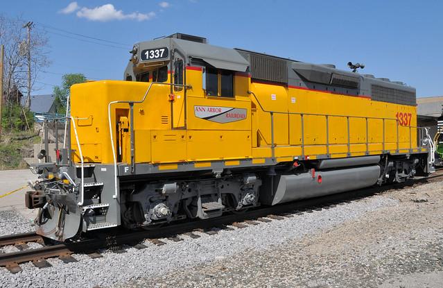 AA#1337 EMD GP40-2 ROSTER EX-SSW UP LTEX TOLEDO,OHIO 5-2-15 SATURDAY