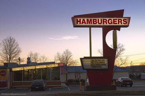 interior retro drivein hamburger goldenhour urbanlandscape historicsite 70sarchitecture zacksburgers