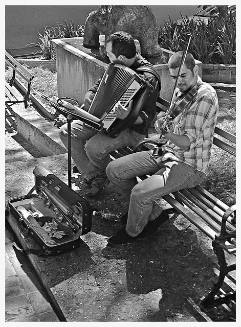 Músicos Callejeros (Street Musicians)