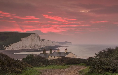 sunrise dawn sussex coast pastel coastal lane southeast viewpoint iconic sevensisters eastsussex seaford cottages famousviews sigma1020mmf4 nikond7000