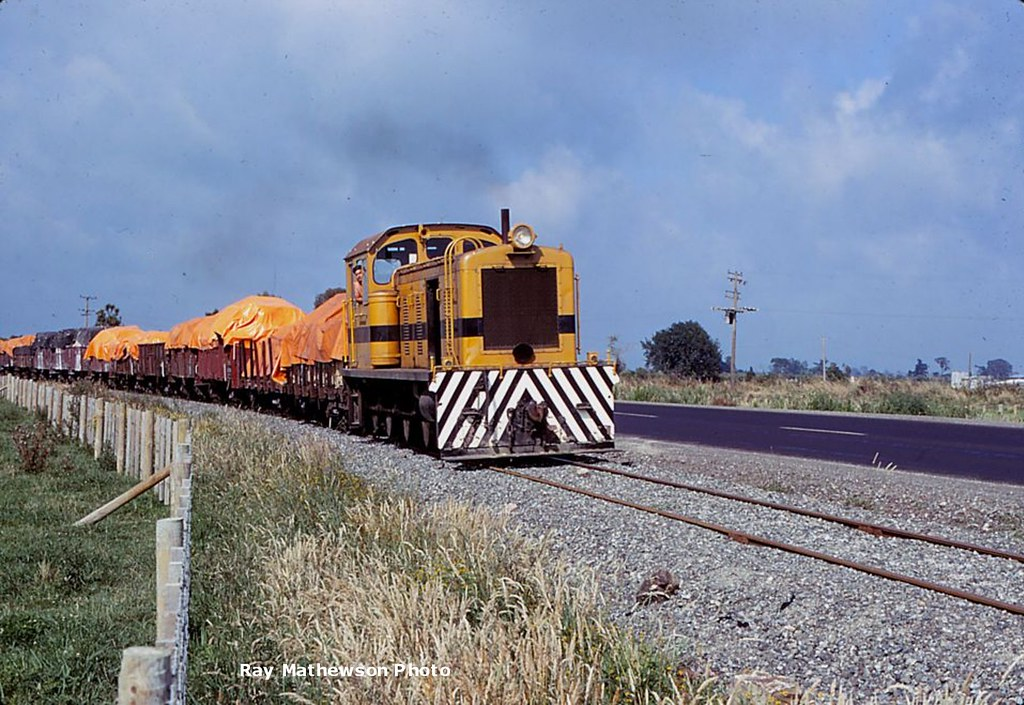 Whakatane Board Mills train Jan 1970