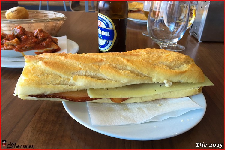Bocadillo de bacon y queso - Café Bar Molino