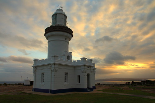 pointperpendicular lighthouse beecroftpeninsula jervisbay sunset newsouthwales clouds ocean old shipping