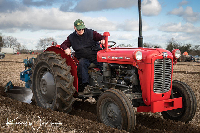 BTL 46B Massey Ferguson 35X ploughing