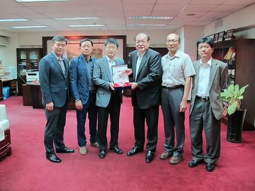 圖01與韓國化學勞動組合聯盟(FKCU)參訪人員合影