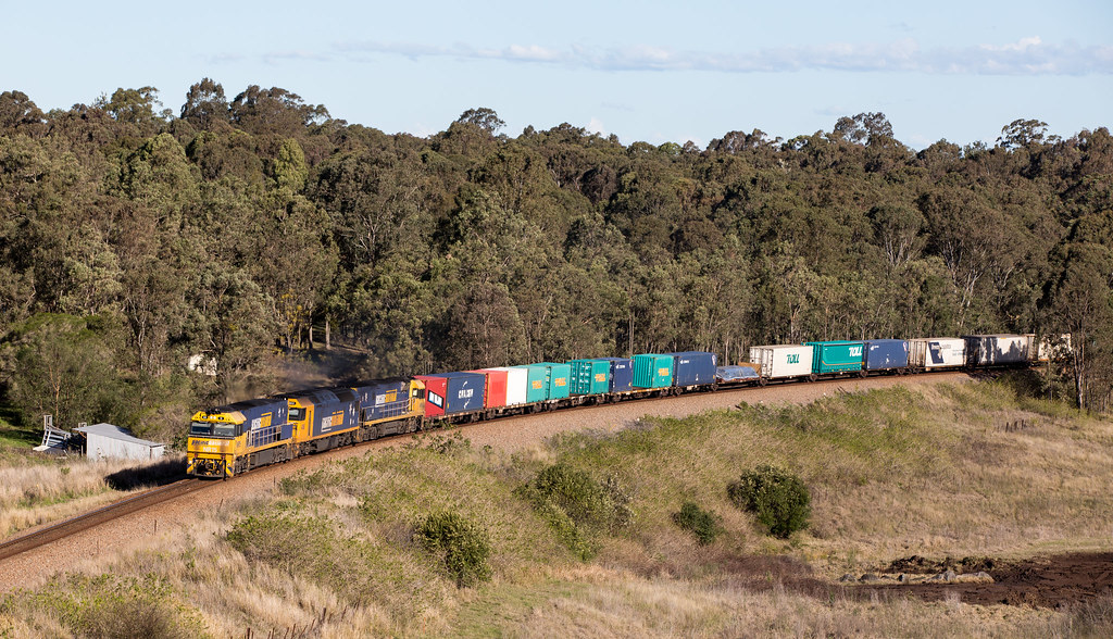 2016-08-11 Pacific National NR15-AN8-NR88 Maitland Vale 4MB4 by Deano_305