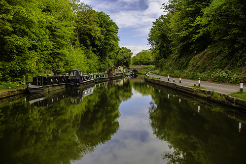 sky weather reflections boats canal grandunioncanal knowle