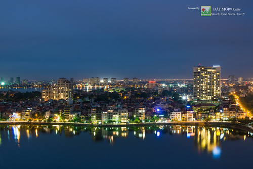 The west lake Hanoi by night | by hanoirealty.com.vn