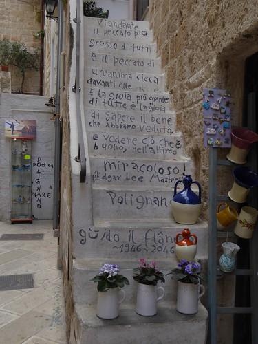 Kunst in de straten van Polignano a Mare