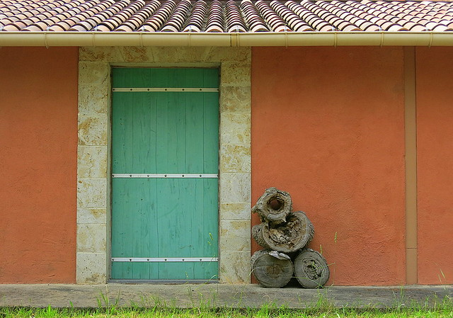 Wood / Door: Salernes, Var, Provence, France