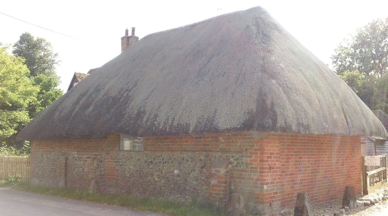Thatched cottage, South Stoke