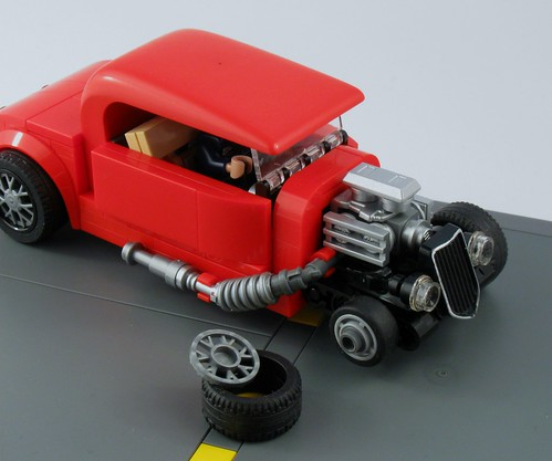 Red hot rod - Front wheel assembly