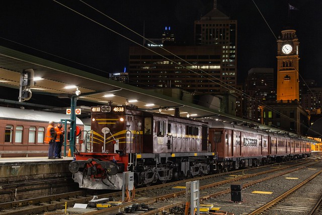 4833 with F1 at Sydney Terminal
