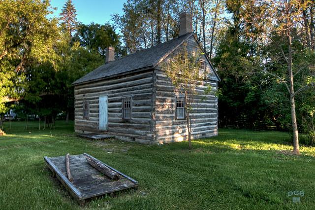 lang cabin