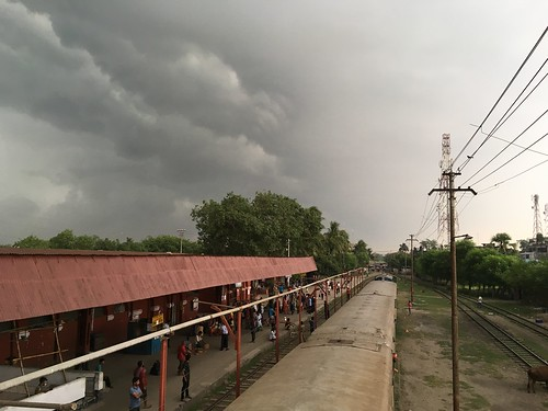 travel storm train railway traveling bangladesh shotoniphone