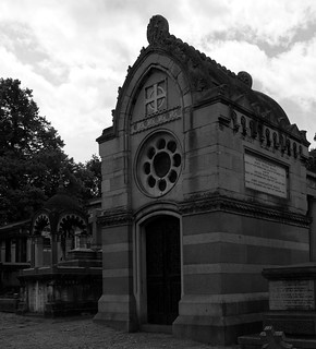 The rather impressive mausoleum to John Peter Ralli