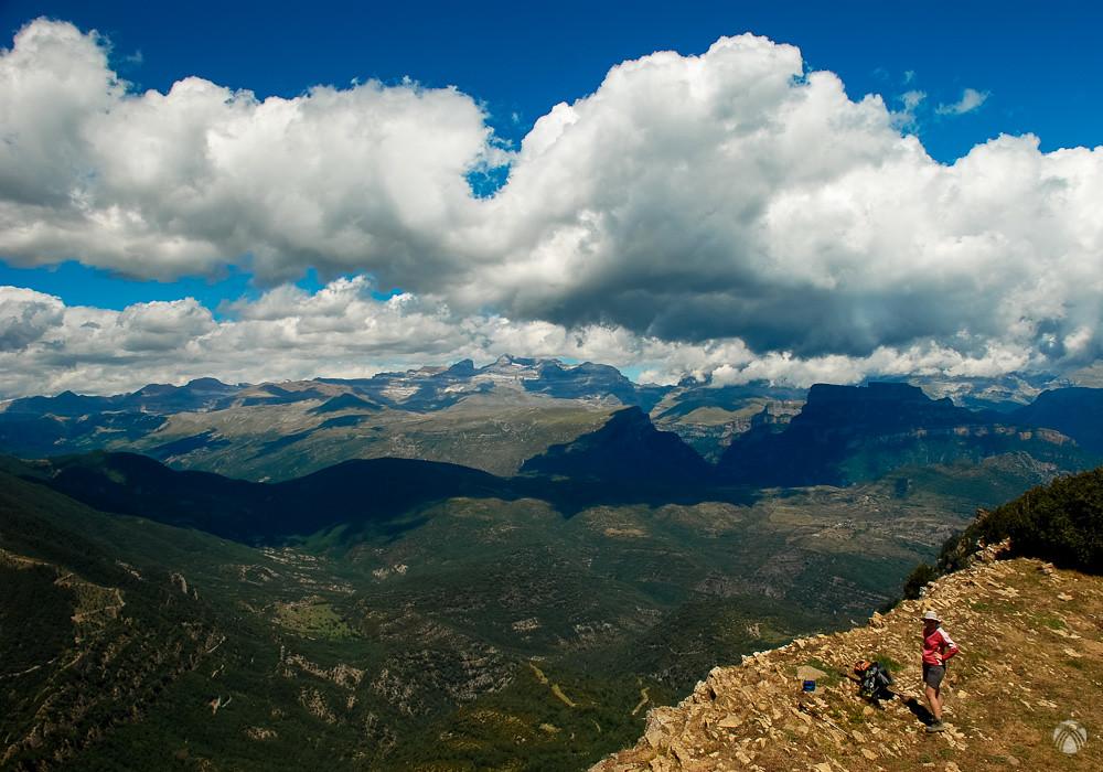 Ahora se aprecia perfectamente Monte Perdido y el resto de montañas