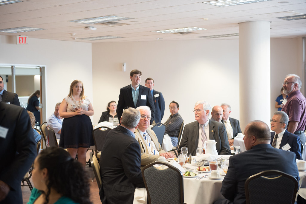 051216_EngineeringGradsLuncheon-4177