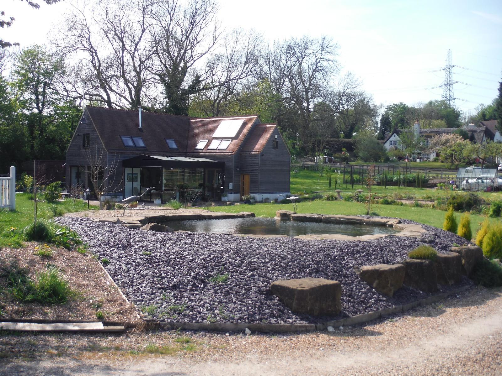 Hideous pond, The Nook, Baldock SWC Walk 91 - Baldock Circular