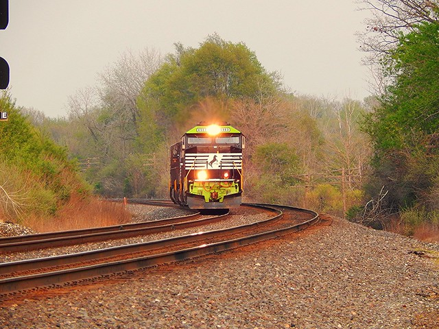NS Go Rail unit rounding the corner at Kendallville Indiana